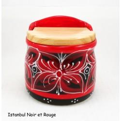 Boite à sel avec couvercle rouge